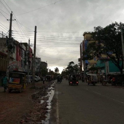 Look at the current view of our Satkhira city now but it is noon but still now but if you look at the scene now you can understand in detail how bad the sky is but the sky is cloudy then the picture of that cloudy sky is our Satkhira city picture it is the name of Bangladesh district Satkhira district Satkhira district picture  Here, but a lot of the situation is getting worse, I see you can understand the details, if you look at the picture well, you will understand that the writing is very beautiful, thank you all.