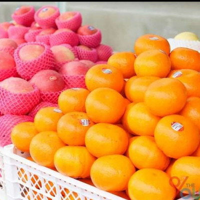 Here are some of the apples and oranges that look very good. The apples look red. The rooms look yellow. They look very nice. The oranges look very nice. The oranges look very nice. These are very nice to eat.  These are very tasty nutritious foods to eat. They have a lot of vitamin C. They are very good for the body. They are very good for the body. These are very good things for the body.  It is very important to eat. It is necessary to feed them. For this reason, I would say that if you all do not eat good fruits and basic foods, then our body will be better.