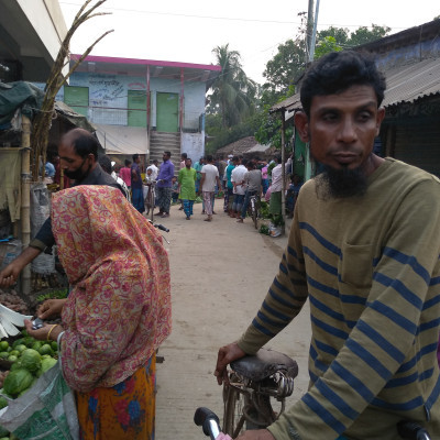 This scene of Chandpur Bazar in Satkhira district is captured in this photo every Wednesday. It is seen that a lot of people have gathered on this rural market road because people have come to the market this Wednesday to buy their necessities and two more on this road.  The site has many shops and its shops have shops of different natures. They buy their necessities from all the shops they need. So they come to this market every Wednesday and buy their favorite things at home.  There is a lot of crowd and people buy their necessities from the market. Here is a picture of the Chandpur market in large numbers and it has become very crowded and people have started to find things.