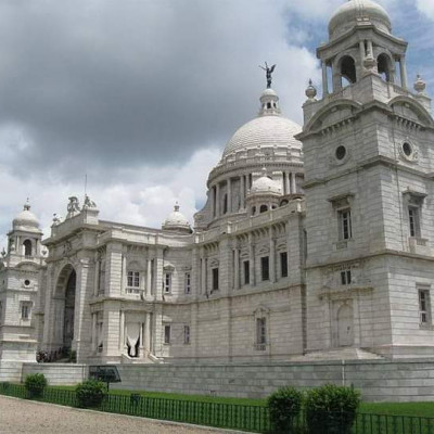 Victoria is one of the most famous places in Kolkata, India today.  And many would love to know more about its history.  You can see that the buildings of this place are made of marble in this environment.  And made in a sophisticated manner.  These have been loved by different people for ages. Victoria Memorial is a large marble building in Kolkata, West Bengal, India, which was built between 1906 and 1921. It is dedicated to the memory of Queen Victoria 1819–1901 and is now a museum and tourist destination. This place is named after Queen Victoria.  Victoria The Taj Mahal Victoria Ahsan Manzil is one of the most popular tourist destinations in India.  You might also like to see this beauty image.  And if you like it, please like and comment.
