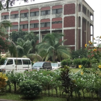 I visited Dhaka University many days ago.  And it is very beautiful to see such a university.  Many students study here.  And there are flower trees around this building.  The flowering plants have grown a lot.  There are big coconut trees here.  The coconut trees are very beautiful to look at.  And at the back of the building there are many kinds of flowering trees.  These trees have flowers of different colors.  There are red, white and yellow flowers.  The atmosphere here is very pleasant.  Again there is a road through the middle of the flower garden.  Large white cars can be seen plying on this road.  And this university has more than a hundred rooms.  These rooms are very big to see.  All in all, the environment here is very beautiful.