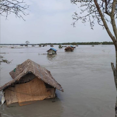 Due to heavy rains in our Satkhira everything has been submerged in water and a scene of it can be seen here that everything has become equal in the water.  We have more problems eating, we are all in trouble now, all the water has gone up,