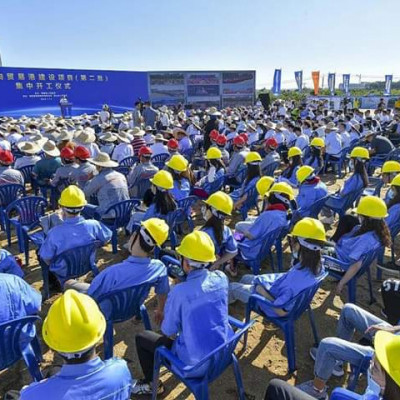 A total of 121 projects in 18 cities and counties (districts) in Hainan province have been rolled out to build the Hainan FreeTrade Port, said Hinews.cn on Monday.  The investment for the projects or the second batch construction for the free trade port is worth 28.1 billion yuan ($4.02 billion), 5.9 billion yuan of which will be invested this year.