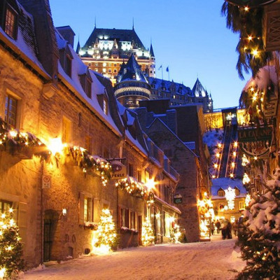History is everything in this beautiful city. Old stone buildings and cobblestone streets make for lovely images. Quebec is equally beautiful in summer and winter, so you can plan a trip here any time. The narrow alleys and historic buildings are a dream for photographers.