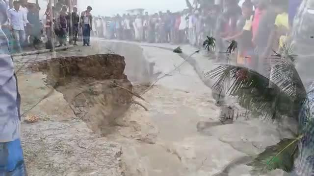 A video of how river erosion is happening