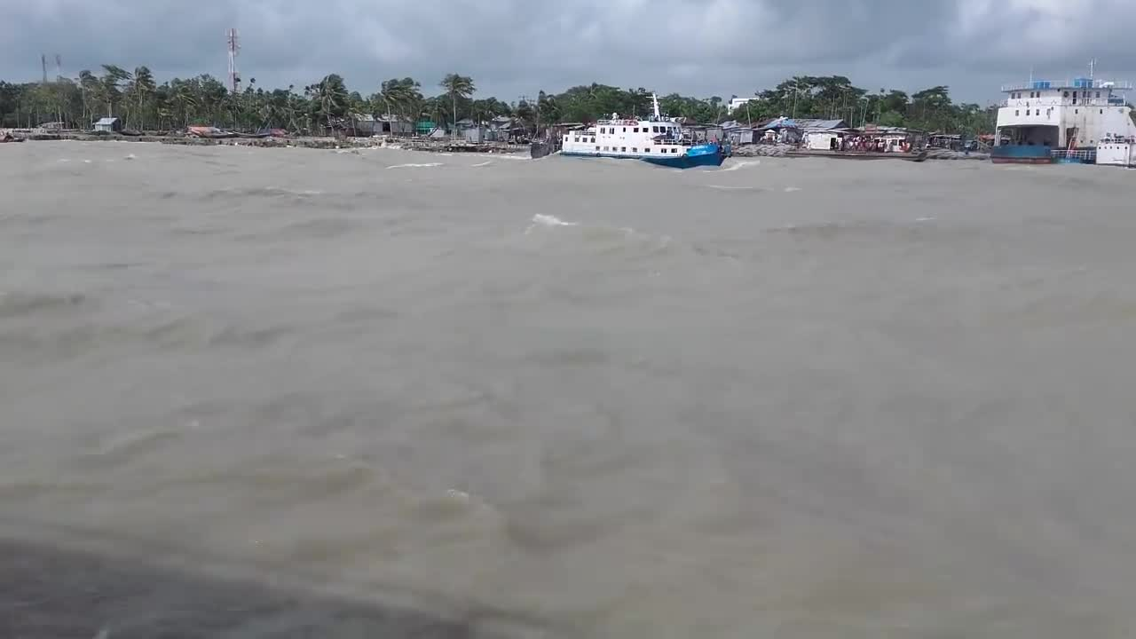 Strong waves in the river Meghna.