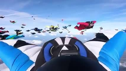 World_Wingsuit_Formation_Record_attempts_2018_.