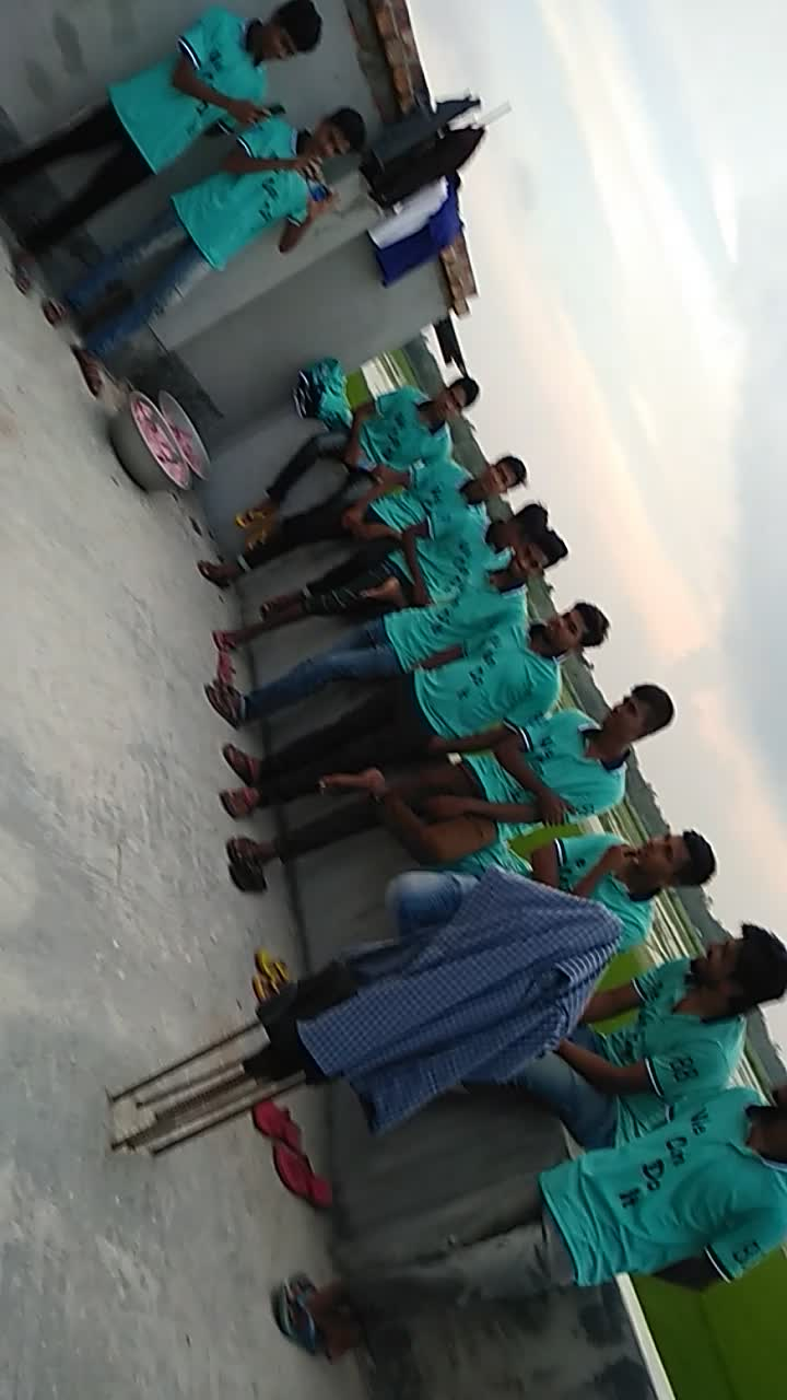 Video of the release company discussion meeting and T-shirt distribution ceremony.