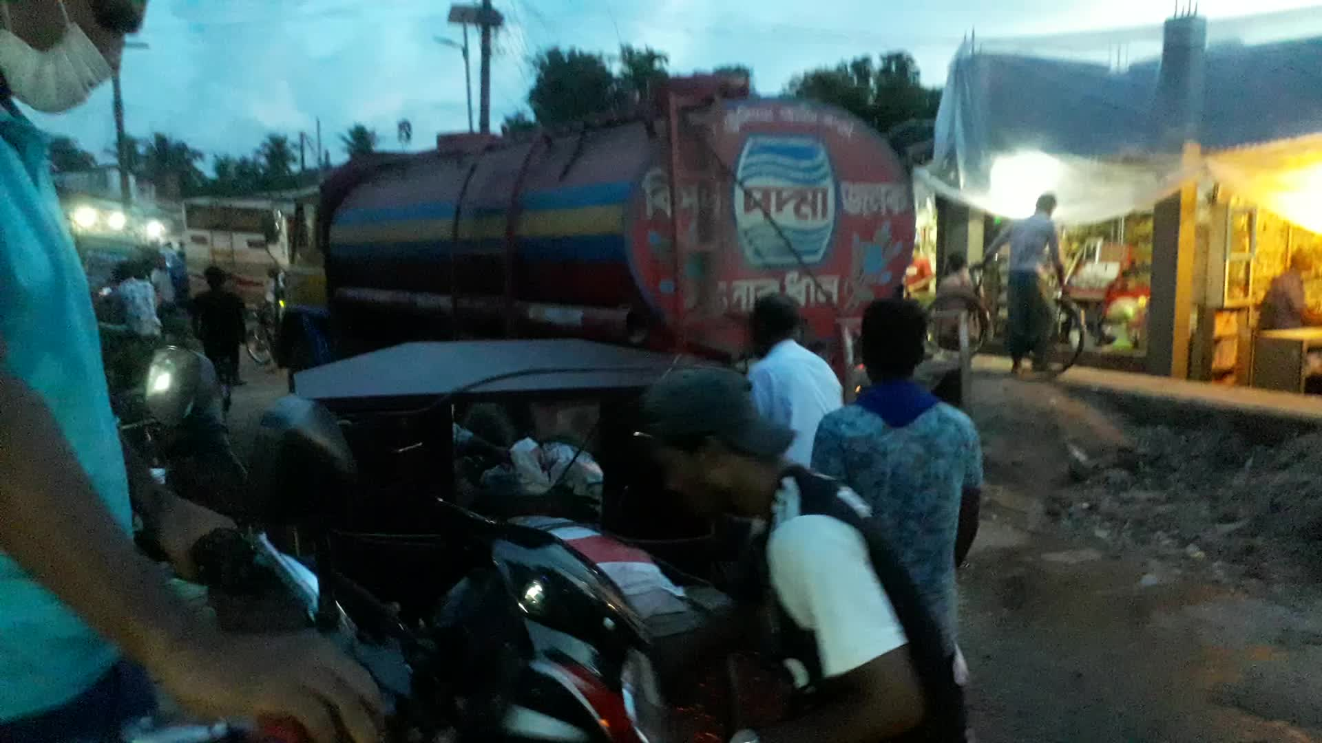 Traffic jam in Pirojpur town in the evening