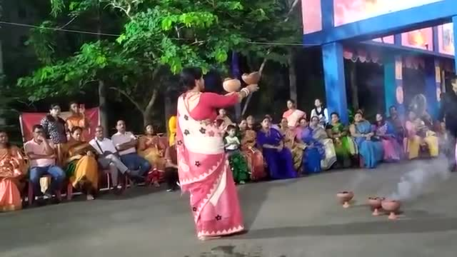 The video you see on the screen is a game of this kind of event for this hand on the occasion of Durga Puja