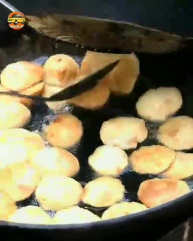 See how Luchi is being made. You will really like it and you will want to eat the favorite food of Bengali people.
