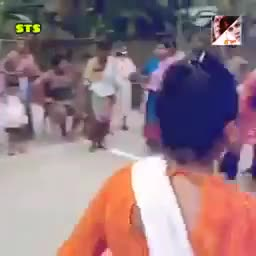 Beautiful video of village girls playing.