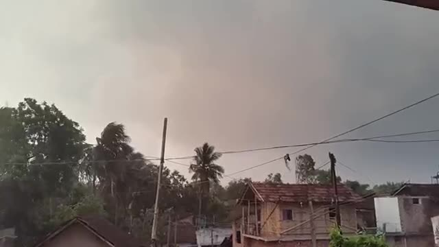 video of satkhira kalbaishakhi storm