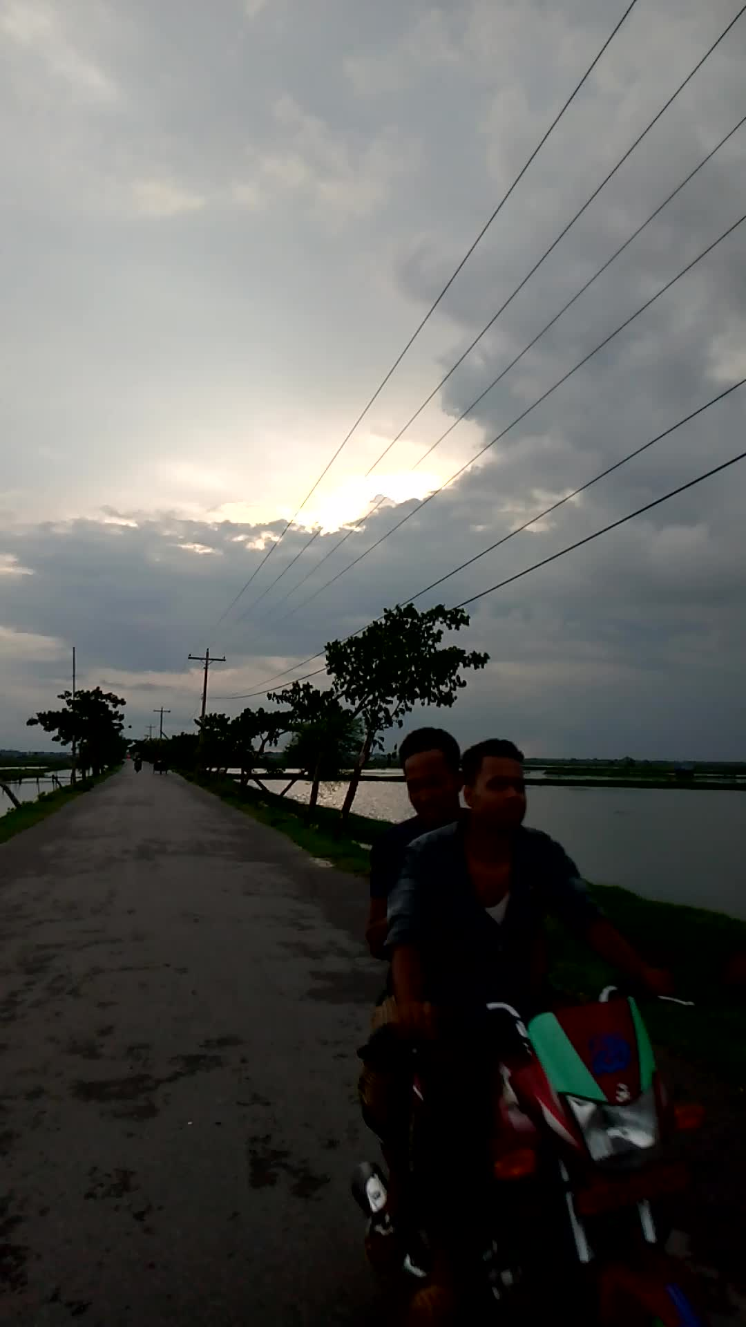 The beauty of the road at the rural level