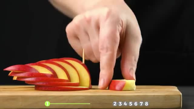 How different kinds of animals are being made with fruit. Amazing.
