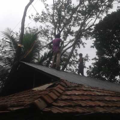 The cyclone has caused a lot of damage in Bangladesh's Satkhira district, people's homes have been blown up and most of the people living below the poverty line in Bangladesh have lost their homes to their Lord.  Getting up and repairing