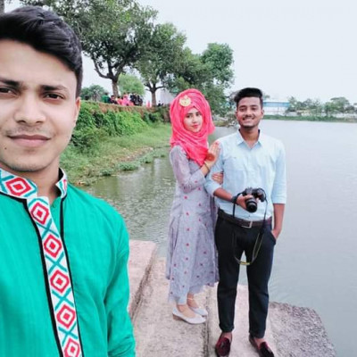 There is a very beautiful scene here. They are being photographed very beautifully here and on Eid day the people of our village enjoy taking pictures like this and there is a special song of her standing there and taking a picture and a woman standing behind her.  And it looks great
